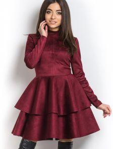 Закрытое теплое платье с пышной, красивой юбкой