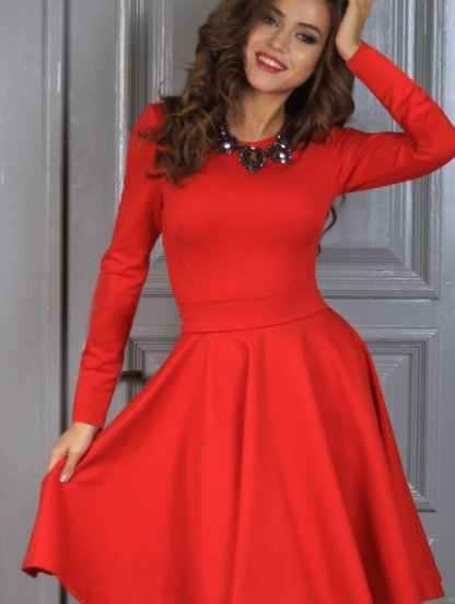 Нарядное класическое платье миди длинны в красном цвете, фото 1