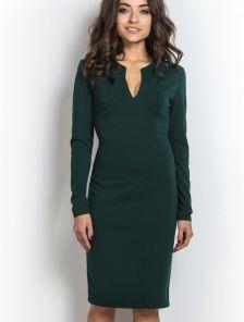 Зеленое платье футляр с длинным рукавом и вырезом декольте