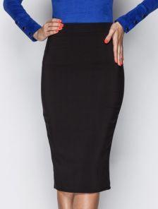 Классическая юбка-карандаш черного цвета миди длины
