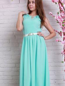Длинное летнее платье нежного мятного цвета с золотистым пояском