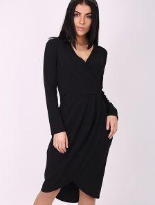 Черное асимметричное платье на запах с красивым декольте и фигурным подолом