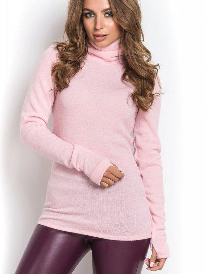 Теплый свитер водолазка прилегающего силуэта с высоким воротником