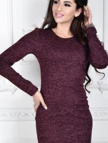 Уютное платье футляр бордового цвета