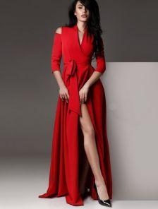 Красное длинное платье на запах с разрезами на плечиках