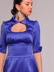 Атласное вечернее платье корсетного типа синего цвета