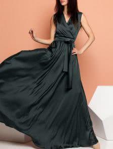 Черное длинное платье из королевского шелка