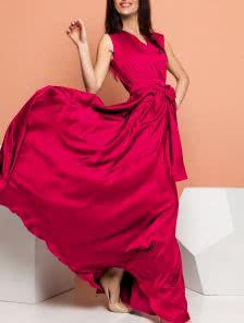 Роскошное платье малинового цвета из королевского шелка
