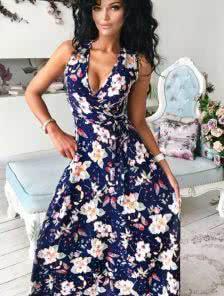 Летнее платье на запах с милым принтом бабочек и цветов синего цвета