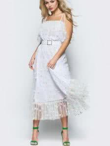 Летнее белое платье с цветами