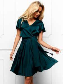 Нарядное короткое шелковое платье с коротким рукавом