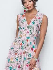 Милое принтованое платье на запах, без рукавов