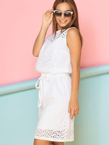 Белое короткое летнее платье из хлопковой прошвы на подкладке, фото 1