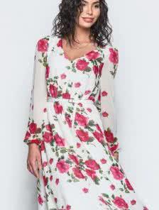 Воздушное платье из шифона с V – образным вырезом горловины