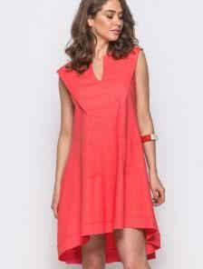 Льняное платье с V-образным вырезом и ассиметричной спинкой