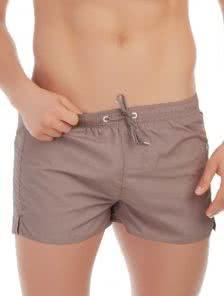 Мужские короткие пляжные шорты в бежевом цвете