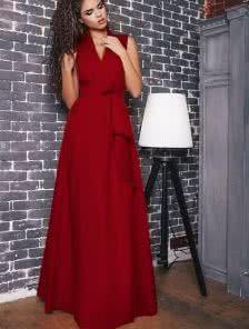 Длинное однотонное платье А силуета