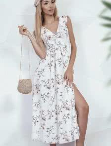 Летнее светлое платье в цветочки