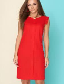 Стильное платье из льна в красном цвете