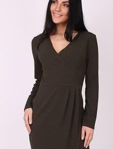 Асимметричное платье-миди на запах с декольте