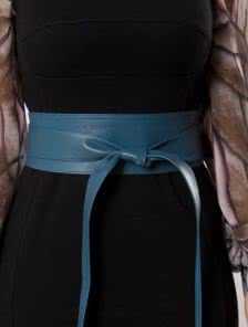 Женский широкий пояс синего цвета на талию