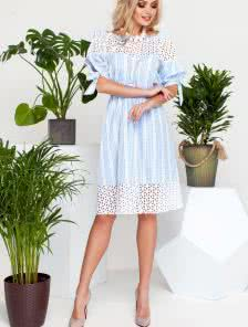 Летнее легкое платье-миди с отделкой из прошвы и поясом