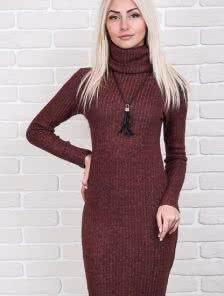 Ангоровое платье-футляр в бордовом цвете на длинный рукав