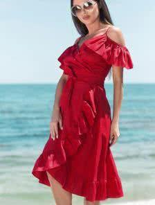 Красный летний сарафан с воланами и с открытыми плечами