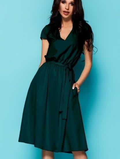 Платье под пояс с коротким рукавом и глубоким декольте, фото 1