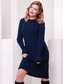 Синее теплое платье-миди крупной вязки на длинный рукав