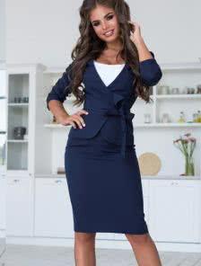 Офисный женский костюм с короткой юбкой