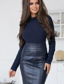 Теплый женский костюм: гольф с юбкой