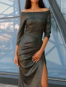 Черное ангоровое облегающее платье с разрезом