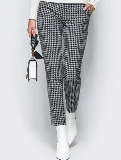 Теплые серые брюки с узором