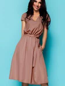 Платье под пояс и с глубоким декольте