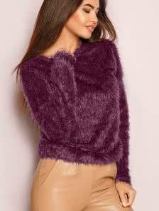 Модный свитер с длинным ворсом - тренд новой колекции