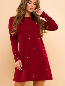 Винное короткое платье А-силуэта с бусинками
