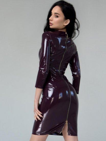 Виниловое бордовое платье с молнией сзади длинны миди, фото 1