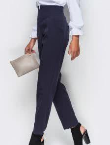 Синие брюки с завышенной талией и карманами