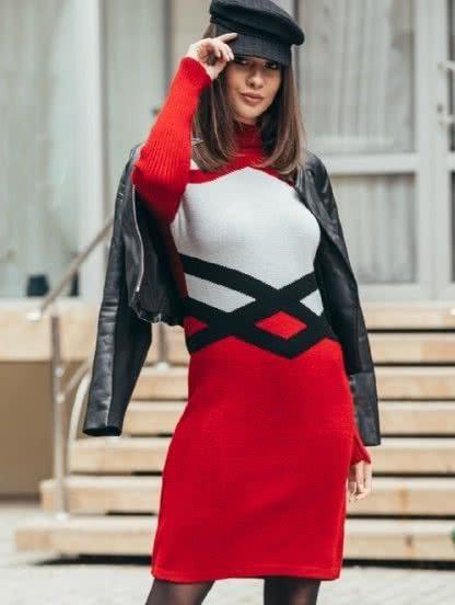 Теплое вязаное платье с геометрическим узором цвета вишни, фото 1