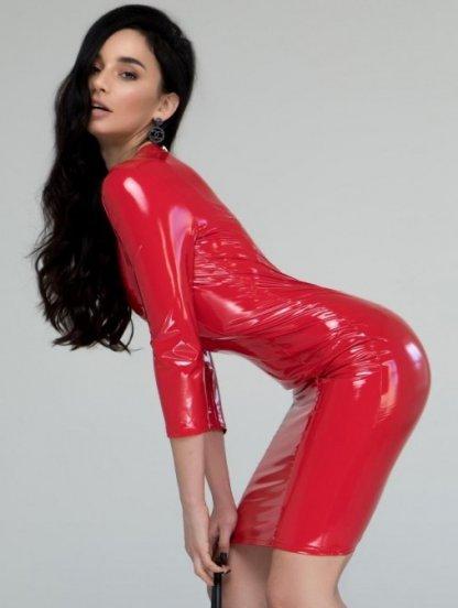 Красное блестящее виниловое платье с молнией на спине, фото 1