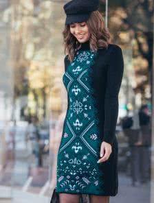 Повседневное платье-гольф миди длинны с орнаментом