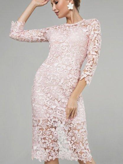 Кружевное платье-футляр длины миди цвета пудры, фото 1