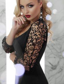 Платье с ажурными рукавами и блестками