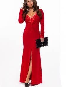 Длинное красное платье с разрезом на длинный рукав