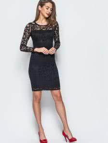 Изысканное гипюровое платье черного цвета