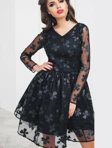 Коктейльное короткое черное платье с сеткой