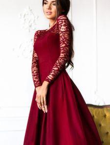 Вечернее длинное платье c кружевным рукавом в бордовом цвете