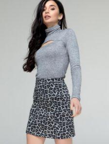 Короткая леопардовая юбка с карманами на поясе