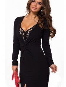 Черное длинное платье с разрезом и кружевом